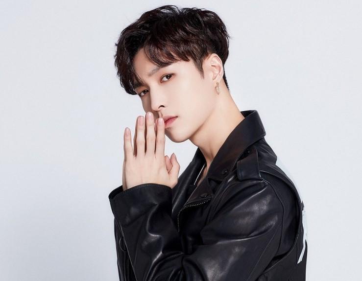 EXO Lay çok yönlü idol